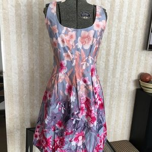 Nine West Beautiful Spring Dress.